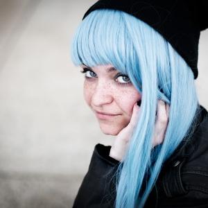 Japan touch, la fille aux cheveux bleus