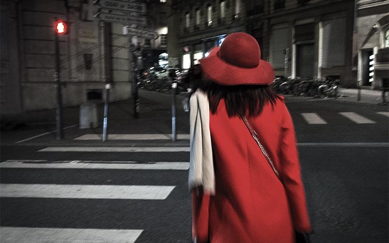 Femme au rouge