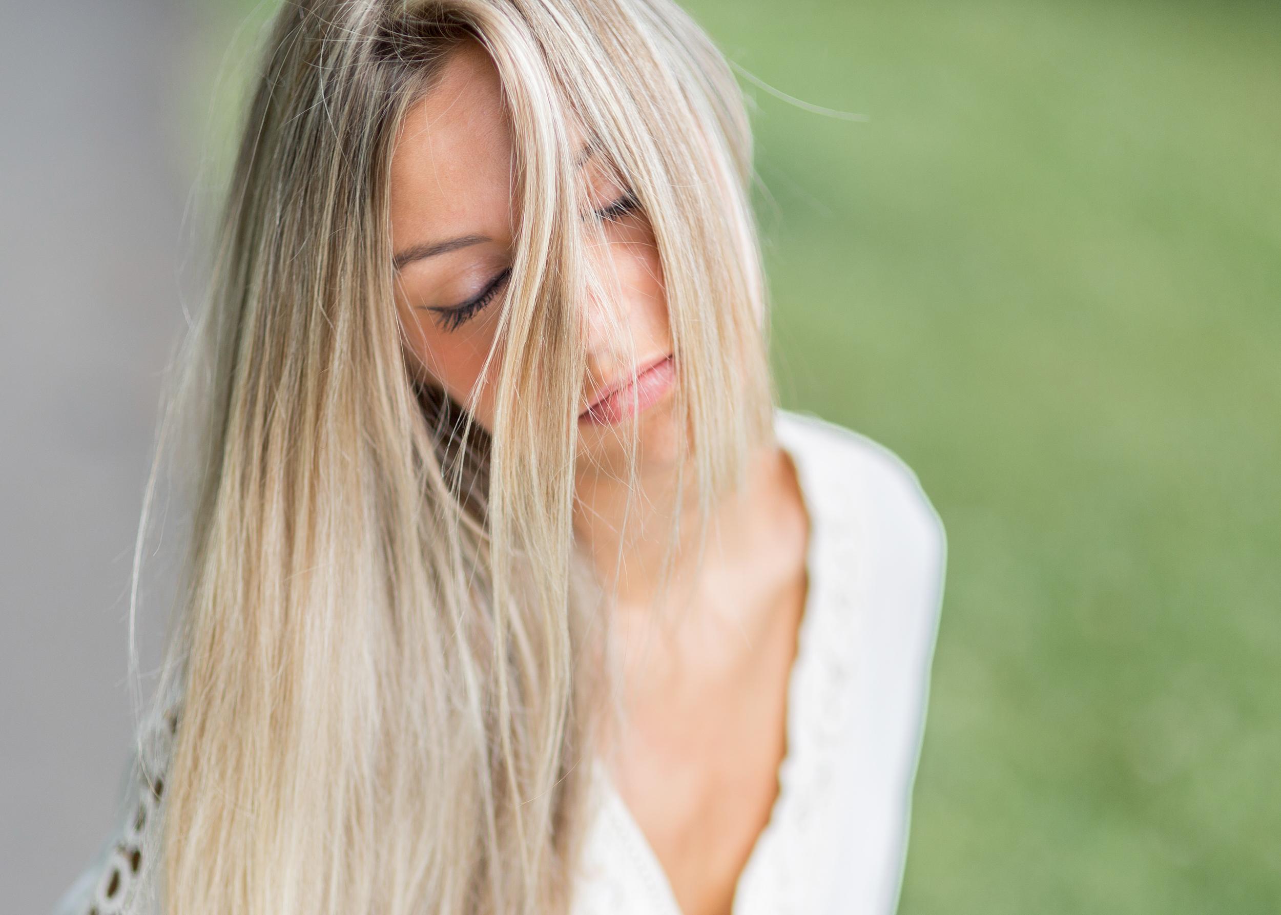 Manon Rodriguez blonde Lacher prise